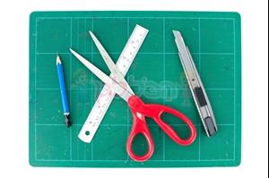 תמונה עבור הקטגוריה מספריים סרגלים וסכינים