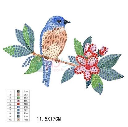 תמונה של יצירה הדבקת יהלומים ציפור על ענף