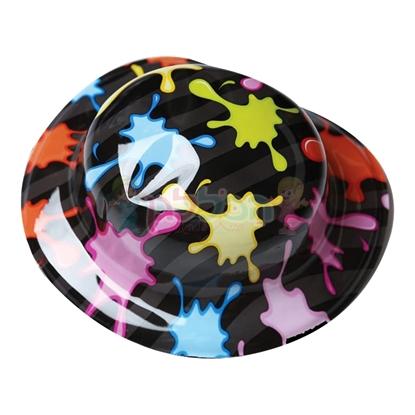 תמונה של כובע פלסטיק צייר