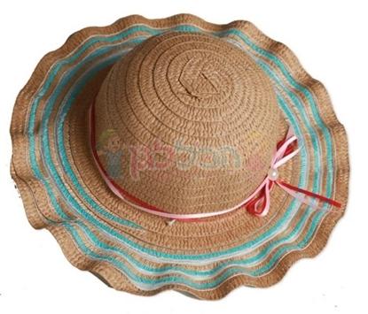 תמונה של כובע בובה טבעי