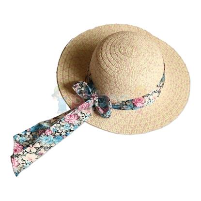 תמונה של כובע קש עם סרט בד