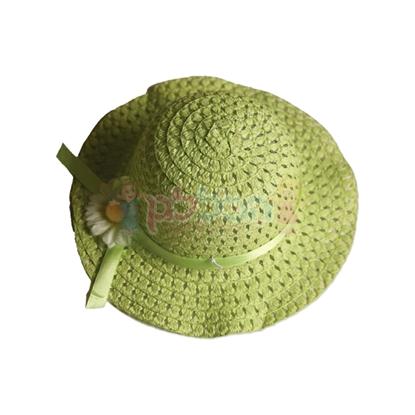 תמונה של כובע קש קטן ירוק עם פרח