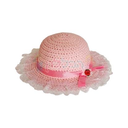 תמונה של כובע קש קטן ורוד עם דנטל